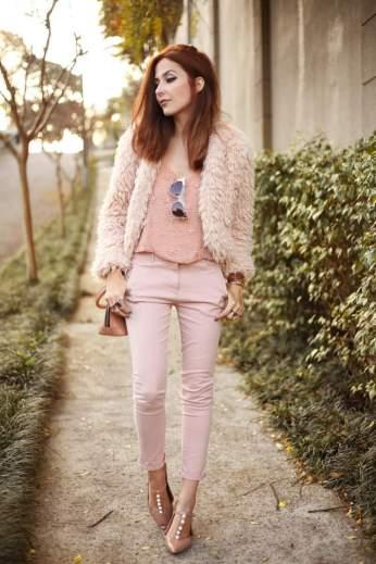 look-com-tom-rosa-pastel-vai-ser-muito-usado-no-outono-inverno-2017