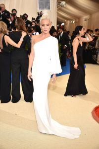 Kate Hudson vestindo Stella McCartney