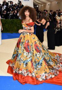 Zendaya vestindo Dolce & Gabbana